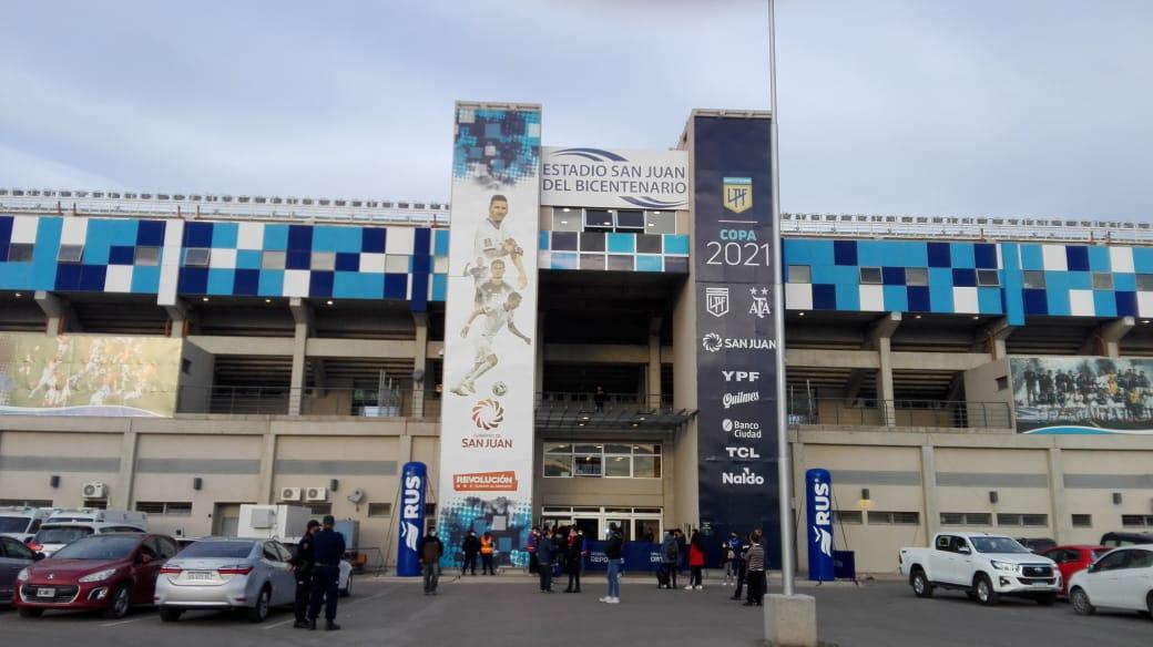 final-puerta-estadio